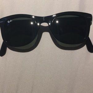 Authentic ray ban wayfarer foldable glasses